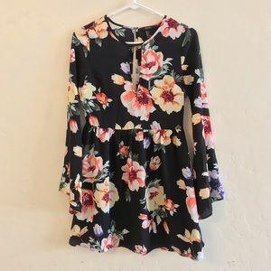 Forever 21 Black Floral Print Long Sleeve Dress S